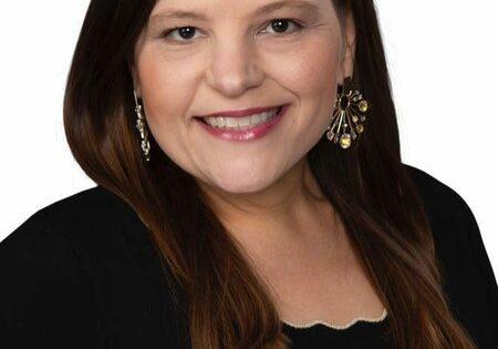 Headshot of Kristi Fox Satsky