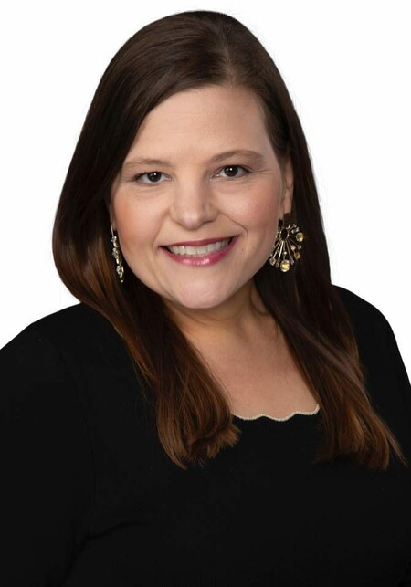 Headshot of Kristi
